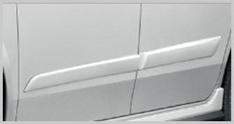 Exterior_10_Alza_side-moulding